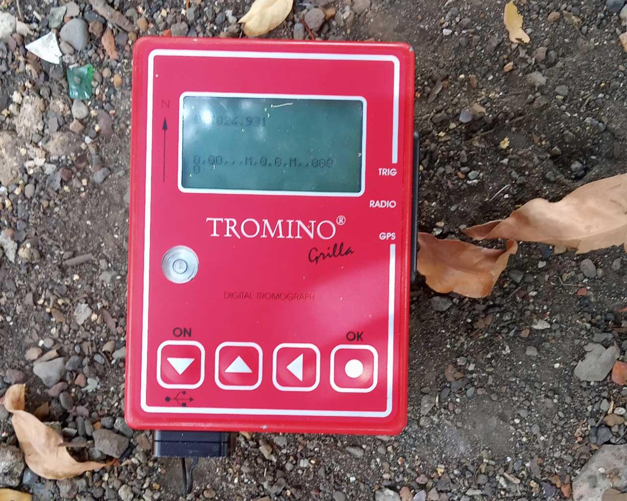 Tromino Seismic Device
